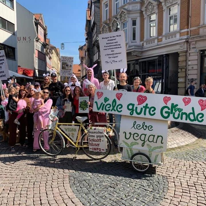 vegane Osterhasenparade