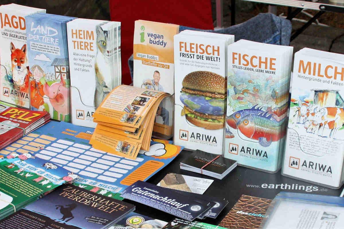ARIWA-Flyer und Infomaterial